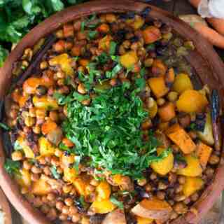 Orange vegetables tagine with peaches