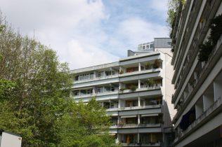Lichtdurchflutete 1 Zi.-Whg. im 5. OG mit großem, sonnige West-Balkon und Blick ins Grüne