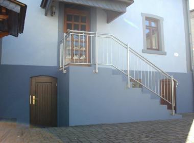 Außenansicht Eingangstreppe