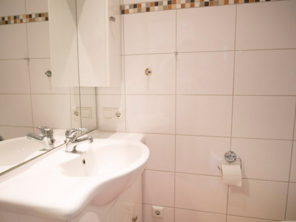 Immobilien Hahnefeld 114834532 Badezimmer Waschbecken