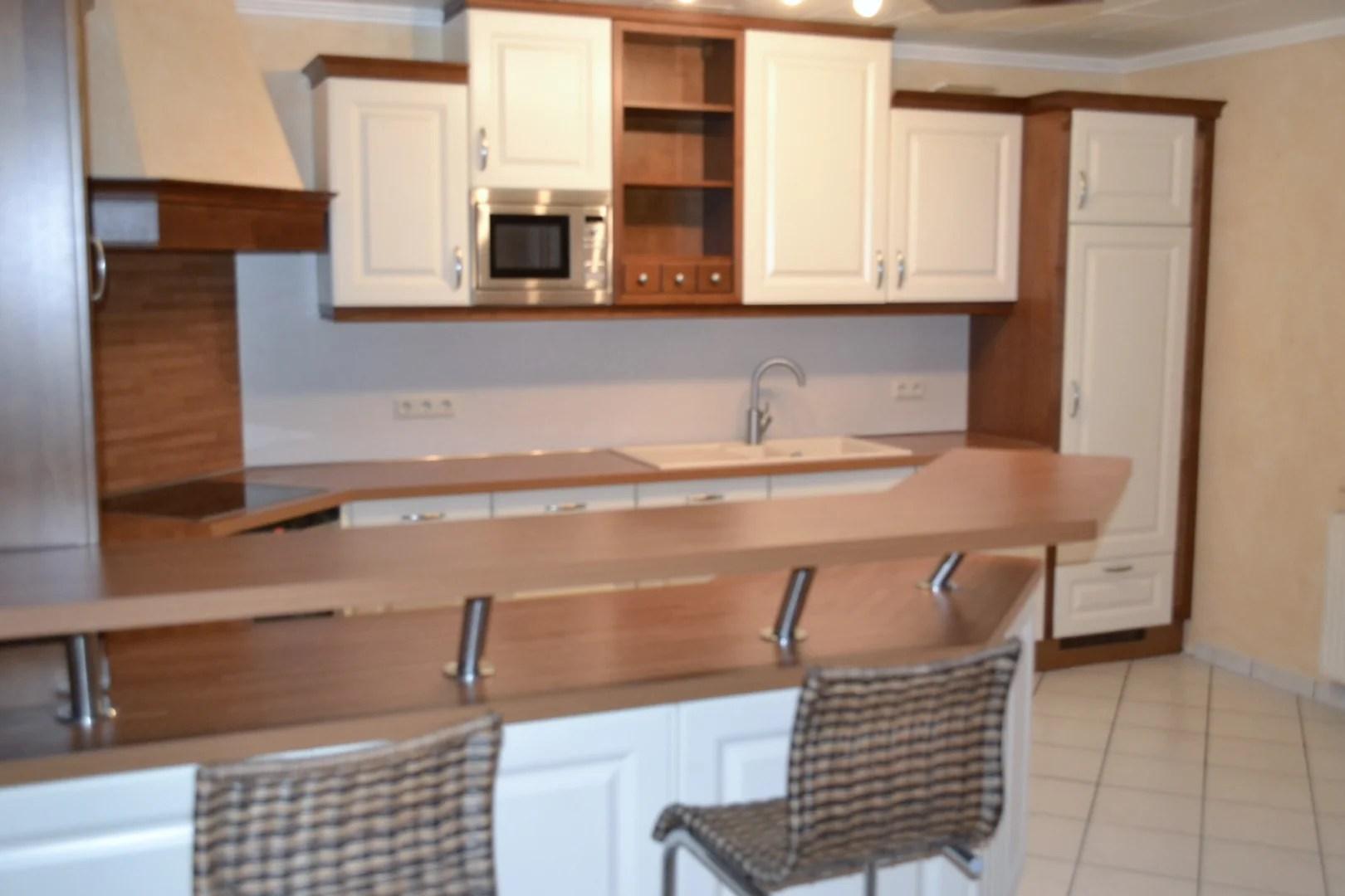 Gepflegtes Einfamilienhaus mit hochwertiger Einbauküche in Top-Lage nahe des Barßler Yachthafens zu vermieten I Exposé Nr.: 55 V 10/19