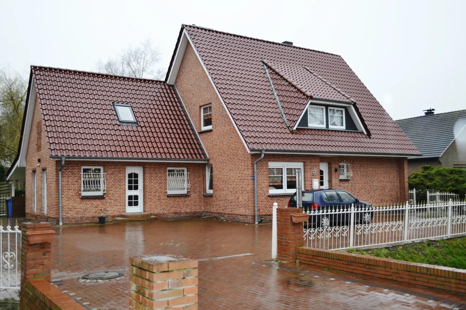 Kapitalanlage, EFH in ruhiger Wohnlage mit großem Grundstück und Wäldchen zu verkaufen I Exposé Nr.: 116/20