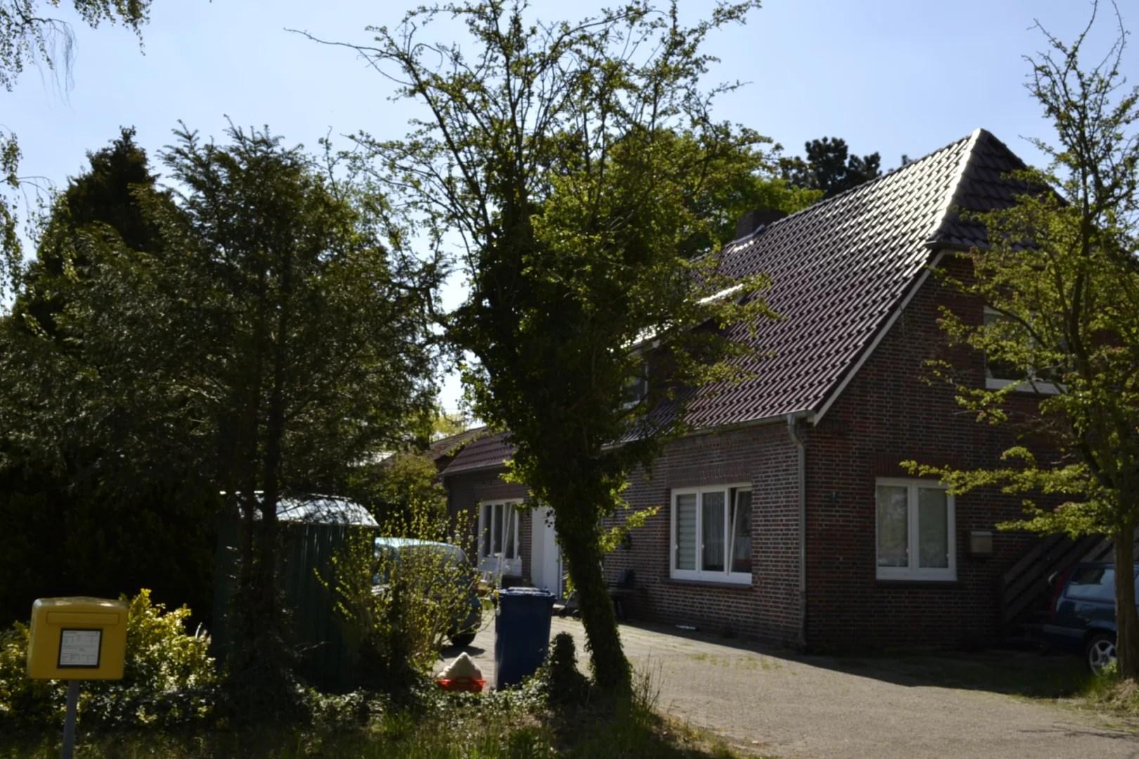 RESERVIERT! Kapitalanlage in Edewecht OT.  Teilsaniertes Vierparteienhaus auf schönem Grundstück I Exposé Nr.: 129/20