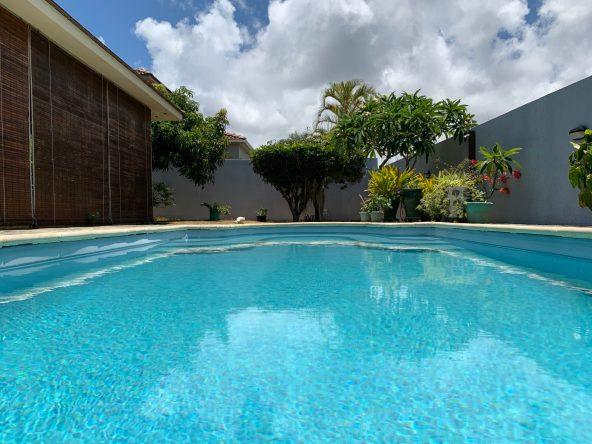 Jolie villa sécurisée avec vue sur mer et les îles du Nord à Calodyne  Jolie villa sécurisée avec vue sur mer et les îles du Nord à Calodyne                           