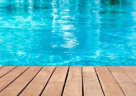 Les travaux d'entretien piscine