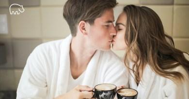 ImmoPotam-immobilier-gestion-patrimoine-logement-maison-appartement-neuf-vefa-ancien-1p-2p-3p-4p-5p-119-couple-amoureux-cafe-petit-dejeuner-agence-bien-ici-chez-soi