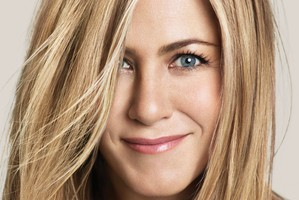 Jennifer_Aniston party girl