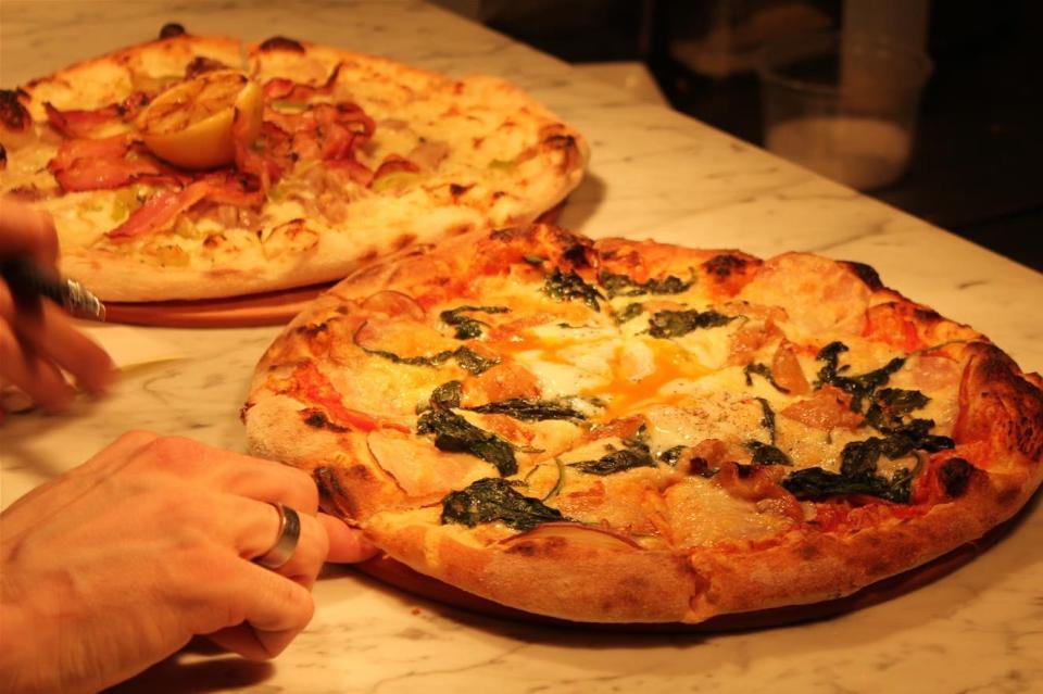 Double Zero Pizza Chinook Centre Calgary (4)