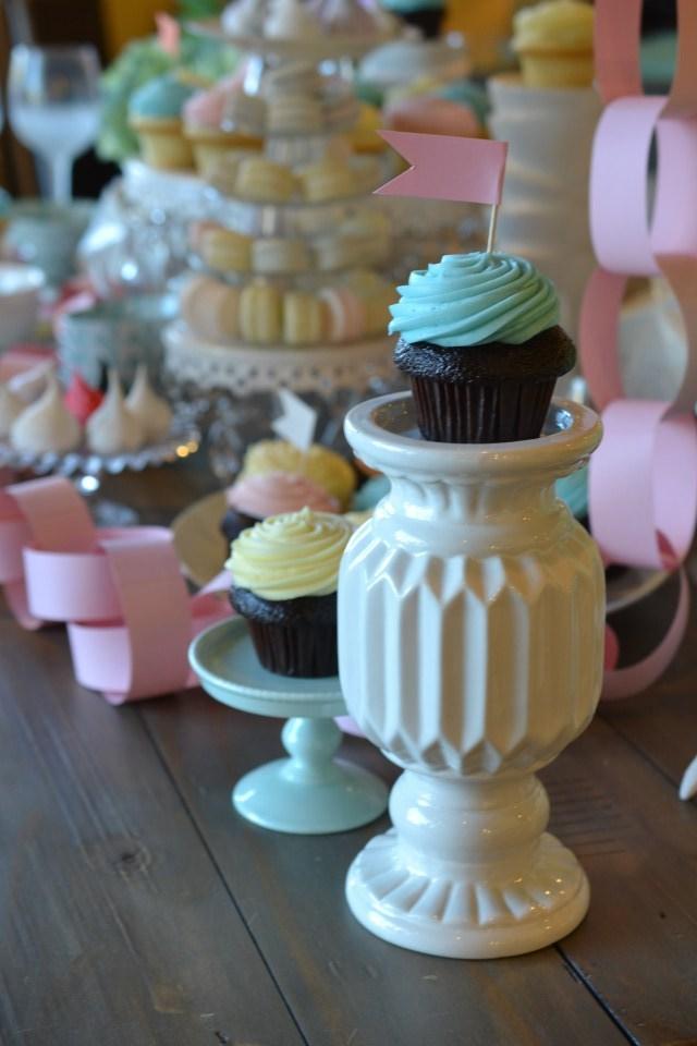 CupcakeOnCandleHolder