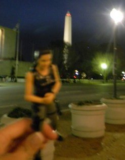 23 Jolie Washington Monument