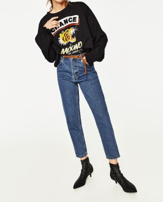 HIGH-RISE MOM FIT JEANS WITH BELT_2