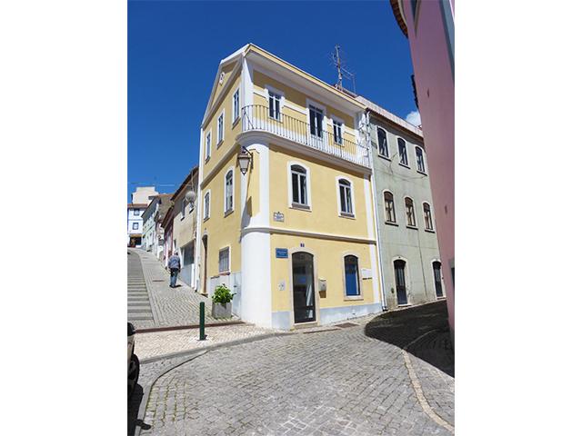 Monchique townhouse for sale