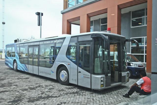 AP Monocoque Apron bus