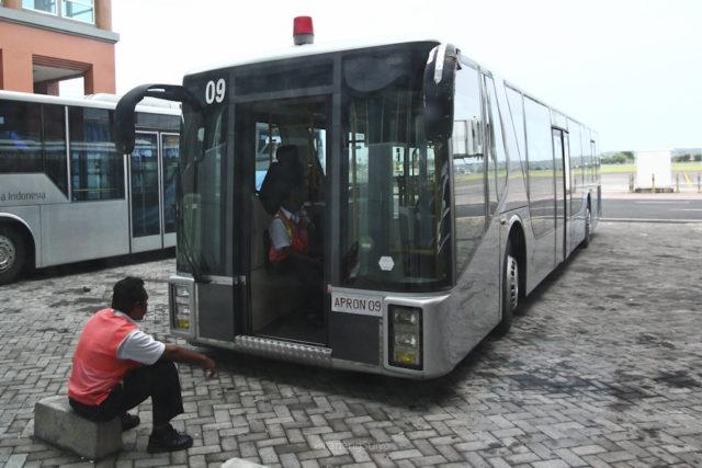 AP Monocoque Apron bus 2