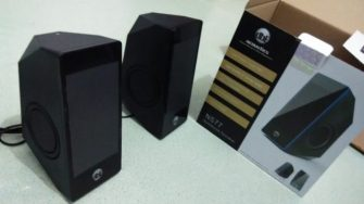 pola diamond cut dengan passive woofer radiator di samping bodi :roll: