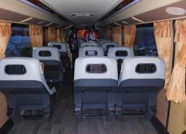 Deck atas Nusgem Cityliner Double Deck, tiap seat dilengkapi LCD