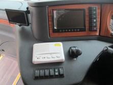 Driver pun dimanjakan dengan dashboard yang modern