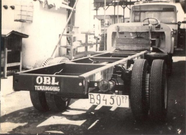 OBL 1971 Fargo Chassis D 500 (1)