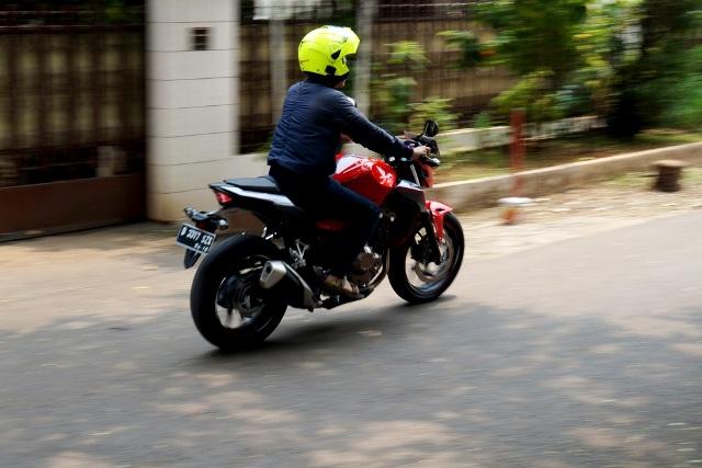 Imotorium – Honda CB500F Review  (1)