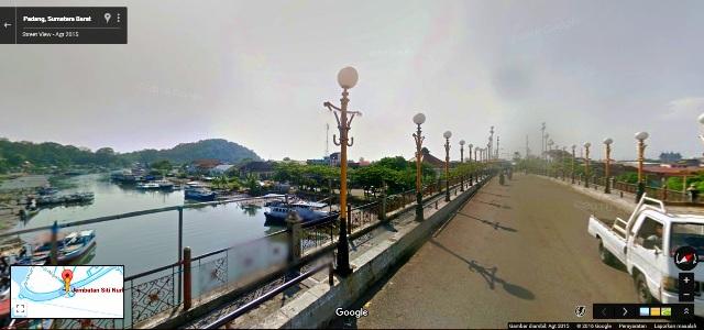 Jembatan Siti Nurbaya, yang mana sungai dibawahnya langsung bermuara di Samudra Hindia