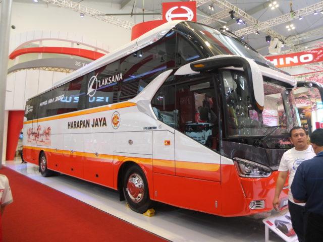 GIIAS 2017 : Nih Foto Detail Bus Hino RM 380 Po Harapan Jaya, Makjozzz Mewah !!