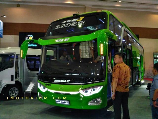 GIICOMVEC 2018 : Melihat Detail Bus Pandawa 87 AdiPutro Jetbus 3 HDD Mercy OH1626 Automatic