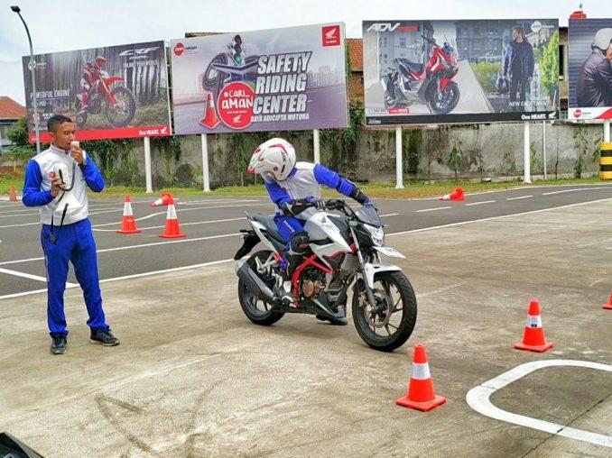 Safety Riding honda Instruktur