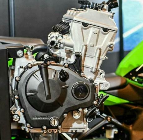 mesin 250cc 4 silinder zx-25r