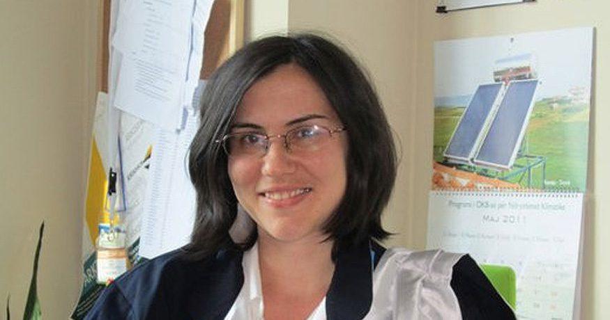 Dorina Pojani working from home