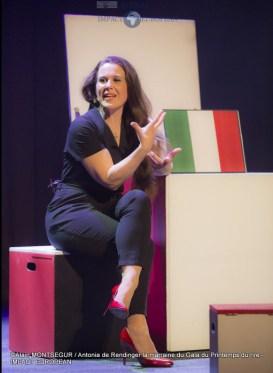Antonia de Rendinger la marraine du Gala du Printemps du rire 6
