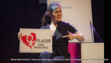 Antonia de Rendinger la marraine du Gala du Printemps du rire 9