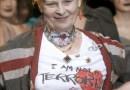 Vivienne Westwood, l'audacieuse, s'expose pour la première fois en France
