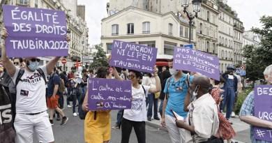 « Marche des libertés » : toute la gauche défile contre l'extrême droite
