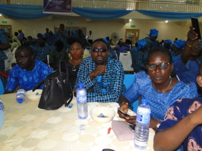 President, League of Journalists, Ikorodu, Otunba Dare Odufowkan (2nd right, Publisher, Starlite, Mr Adedamola Aderibigbe (right) with members of Icare Movement at the occassion
