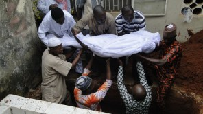 Remains of Pa Agunbiade being conveyed to his final resting place