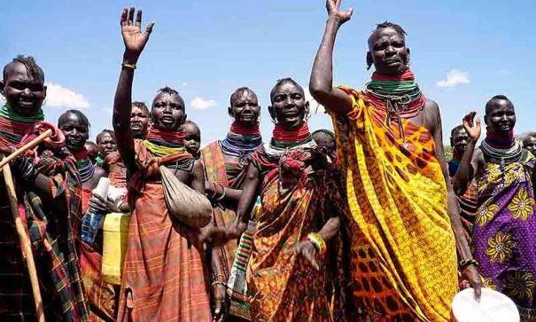 Résultats de recherche d'images pour «La tribu Turkana cristianos»