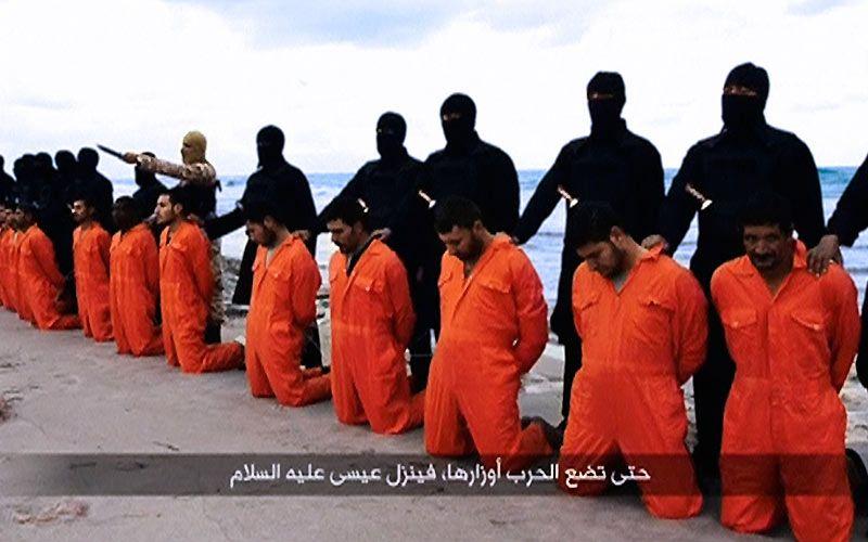 ISIS decapita 21 cristianos egipcios en Libia