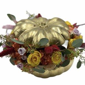 zucca colorata con fiori