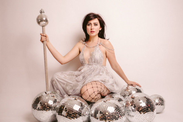 """fiona grey talks """"dirty pop"""", fashion influences, and aesthetic"""
