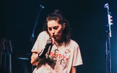 bishop briggs + anna hamilton move mountains with vocal abilities as openers for dermot kennedy in kansas city