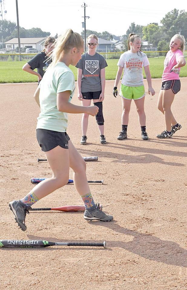 Soal Softball : softball, Softball,, Volleyball, Athletes, Taste, Practice, Imperial, Republican