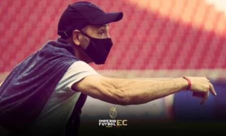 Guillermo Duró confía que Deportivo Cuenca van a salir adelante e insistirá con exigirle más a sus jugadores.