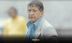 """Polo Carrera no se guarda nada y considera Gustavo Alfaro tiene """"presiones de dirigentes"""""""
