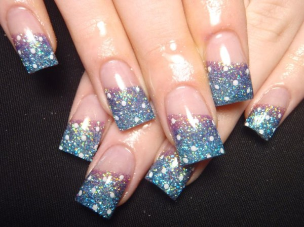 20+ Beautiful And Trndy Sparkling Nail Ideas