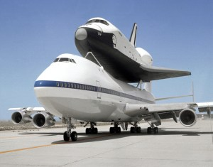 Enterprise-Boeing_747
