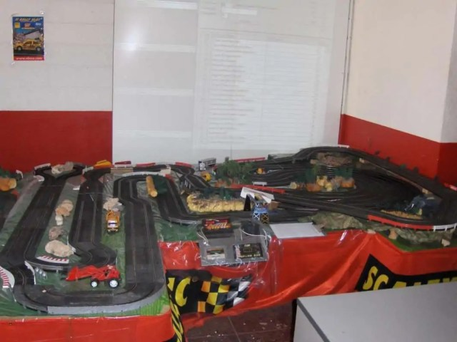 Slot Car Clubs - Slot Car Clubs Organize Races  Prepare