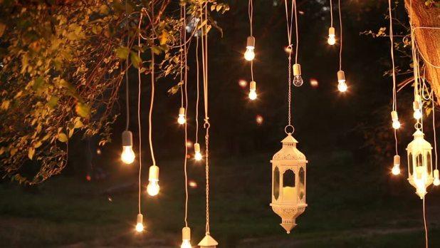 Jenis Lampu Hias untuk Keperluan Outdoor - Cara Memilih Lampu Hias Terbaik untuk Dekorasi Indoor dan Outdoor - shutterstock.com