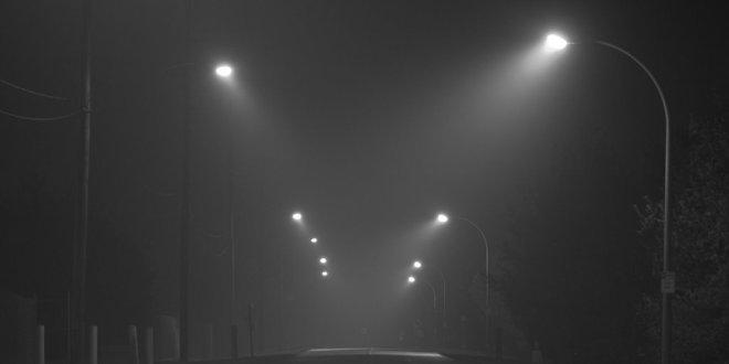 Menghindarkan Kecelakaan di Jalanan Berkabut -Inilah Fungsi Lampu Tembak yang Perlu Anda Ketahui - fickr.com