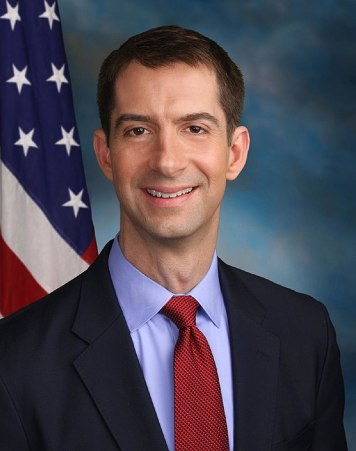 800px-Tom_Cotton_official_Senate_photo
