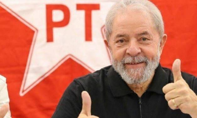 Le Monde destaca circo judicial que manteve Lula preso